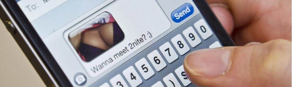 Text Messages to Tease Your Submissive With - Sexting - How to Sext - Dirt Text Messages